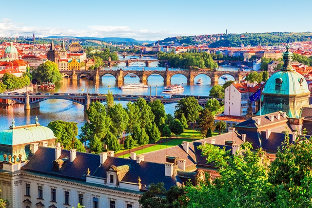 23 Top Prague Sights included in Prague Family Kit