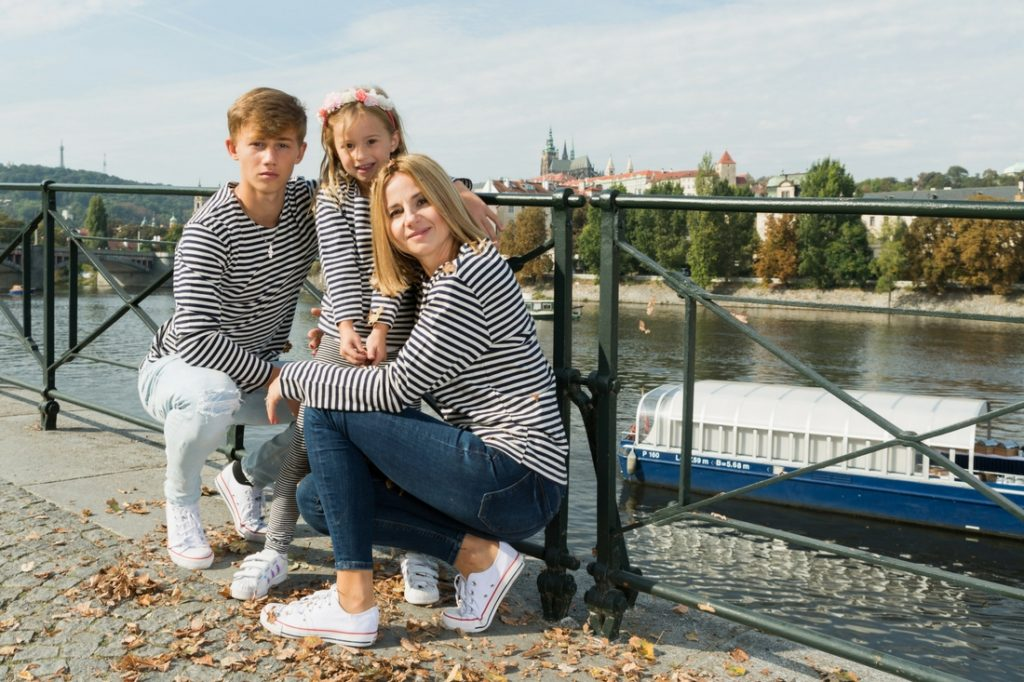 family-photo-prague-4